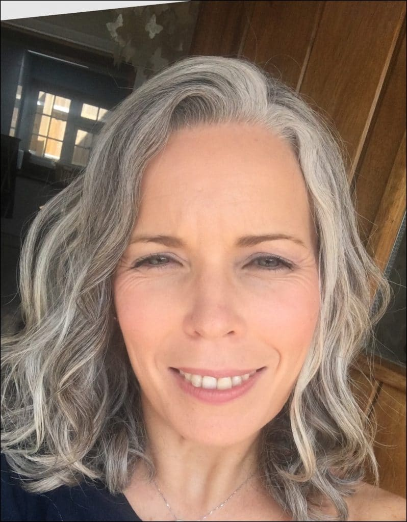 This is what happened when I stopped Dyeing my Hair.  Natural Grey hair.  Woman over 40 selfie.